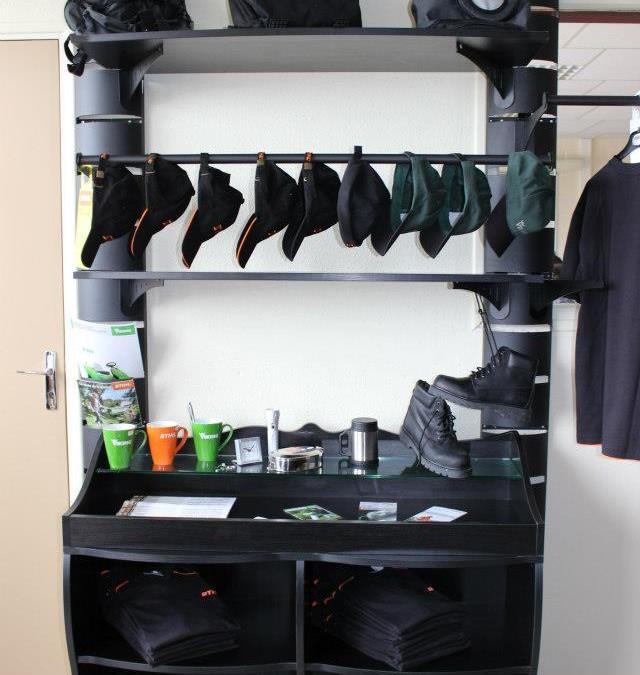 nos meubles de magasin au lyc e vauvert de bourges. Black Bedroom Furniture Sets. Home Design Ideas