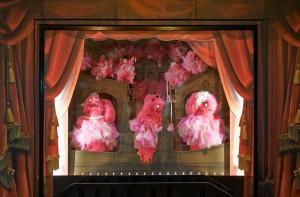 Les vitrines Monstres des Galeries 2